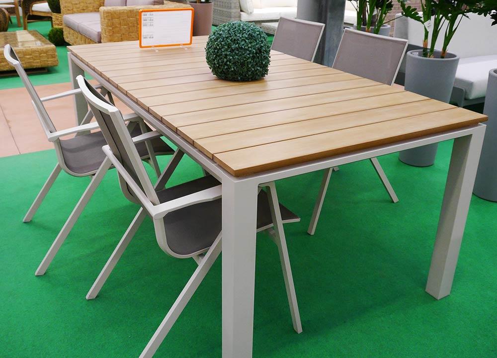 Tavoli e sedie da giardino in vendita a treviso bardin for Tavoli e sedie da giardino in offerta